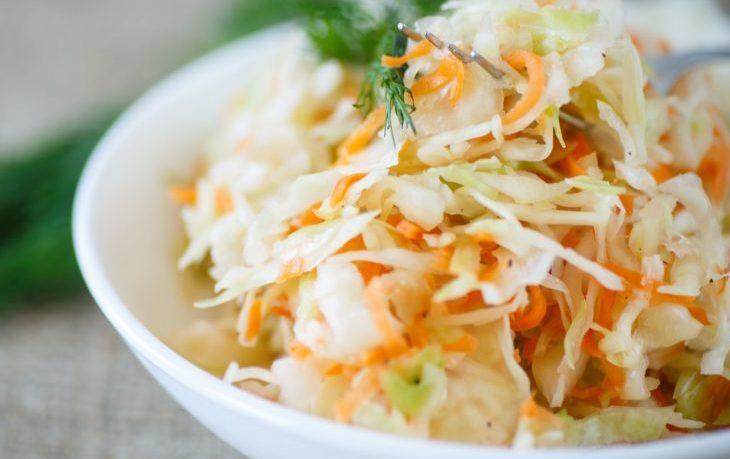 диетический салат из капусты белокочанной