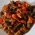 Готовим стручковую фасоль с овощами