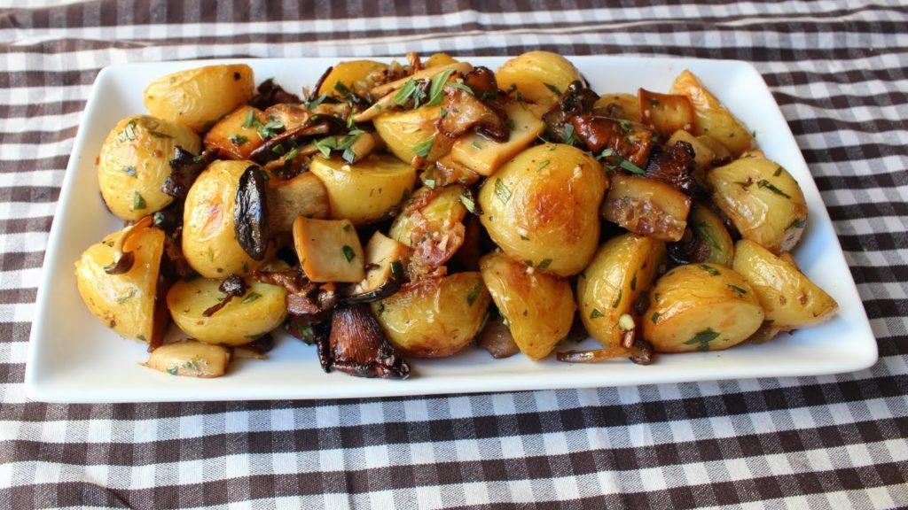 Рецепты картофеля с грибами тушенного, с фаршем, в мультиварке, в варениках