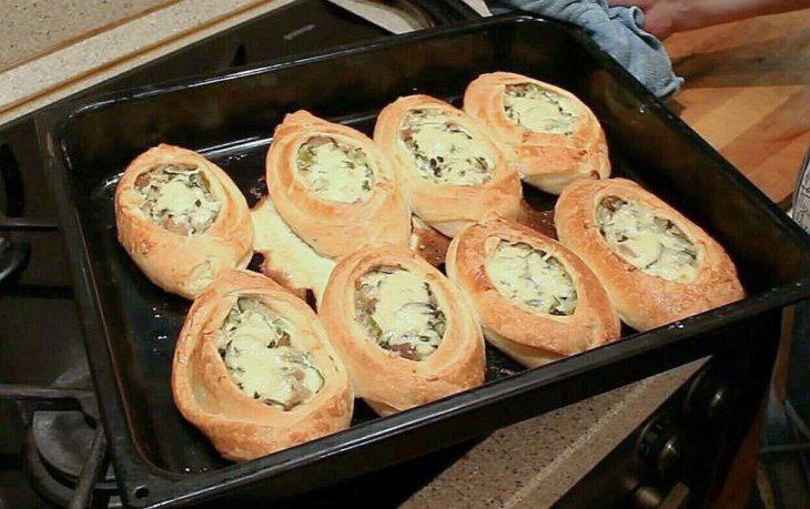 лодочки из слоеного теста с картофелем мясом