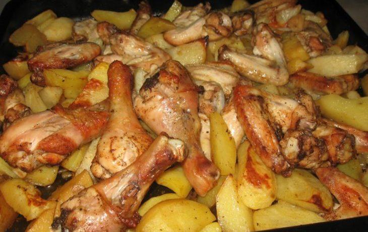 картофель запеченный в духовке с курицей