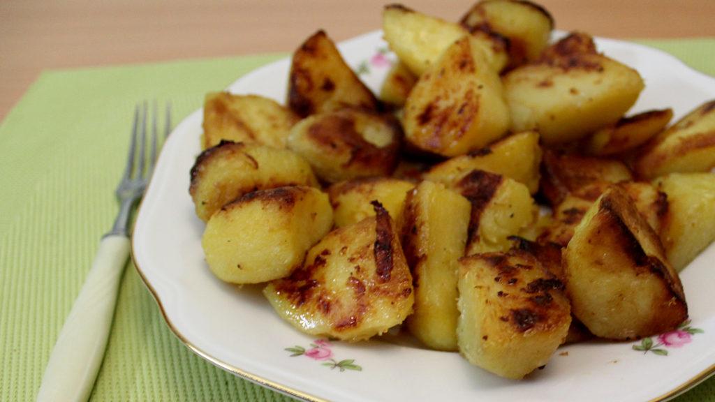 Рецепты картофеля в духовке в горшочках, с корочкой, в кожуре, целиком