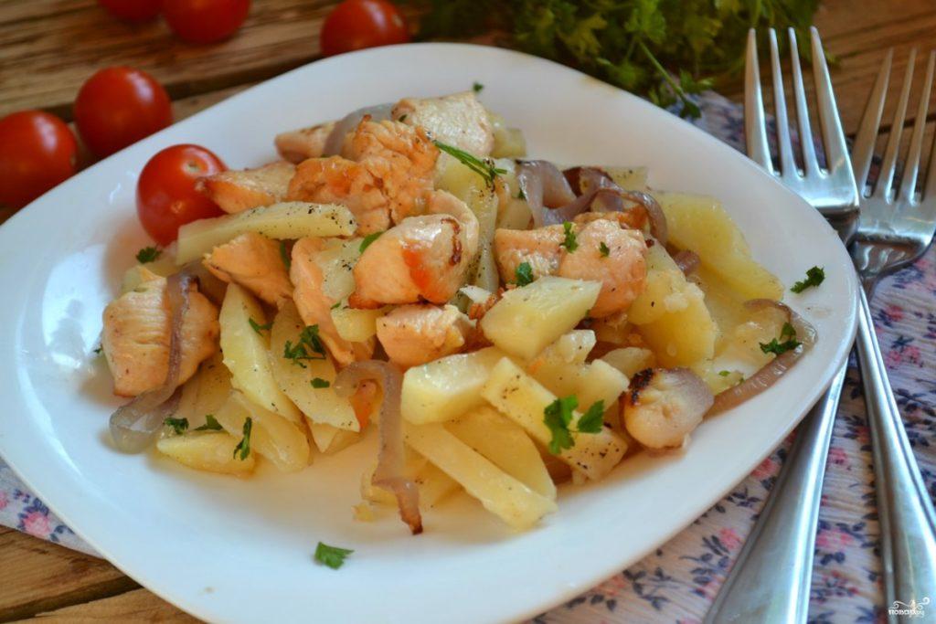 Рецепты простых и вкусных блюд из картофеля с говядиной, беконом, грудкой
