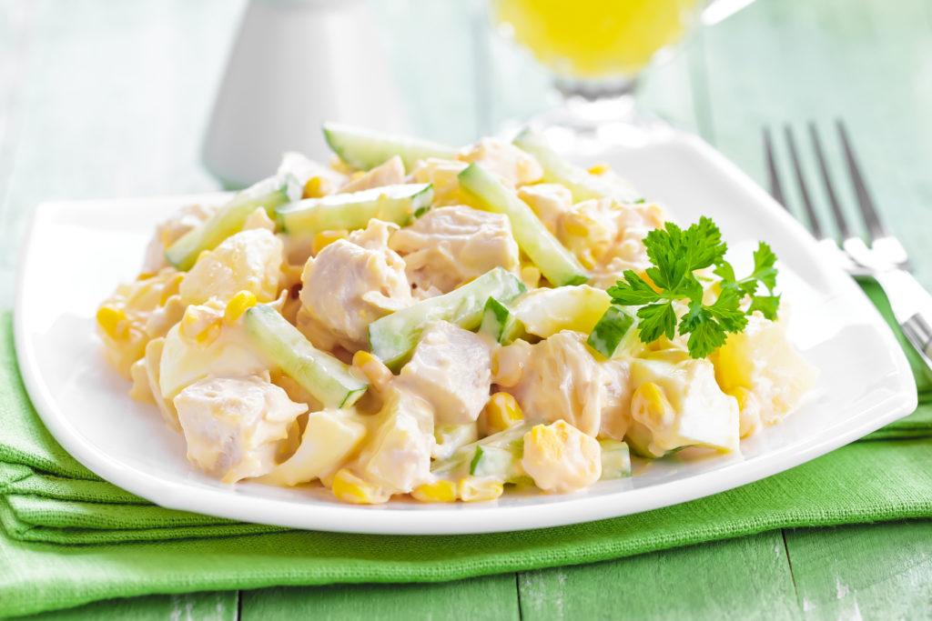 Рецепты салатов с ананасами и кукурузой