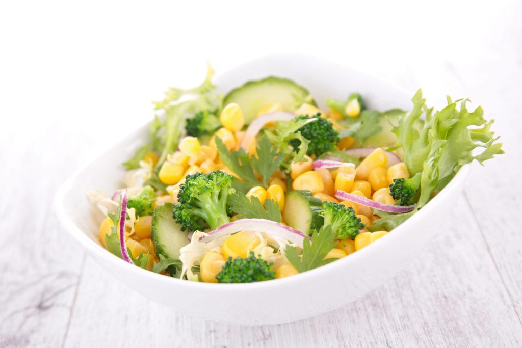 Рецепты салатов из кукурузы и свежих огурцов