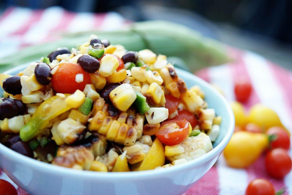 Рецепты салатов с курицей, кукурузой и фасолью