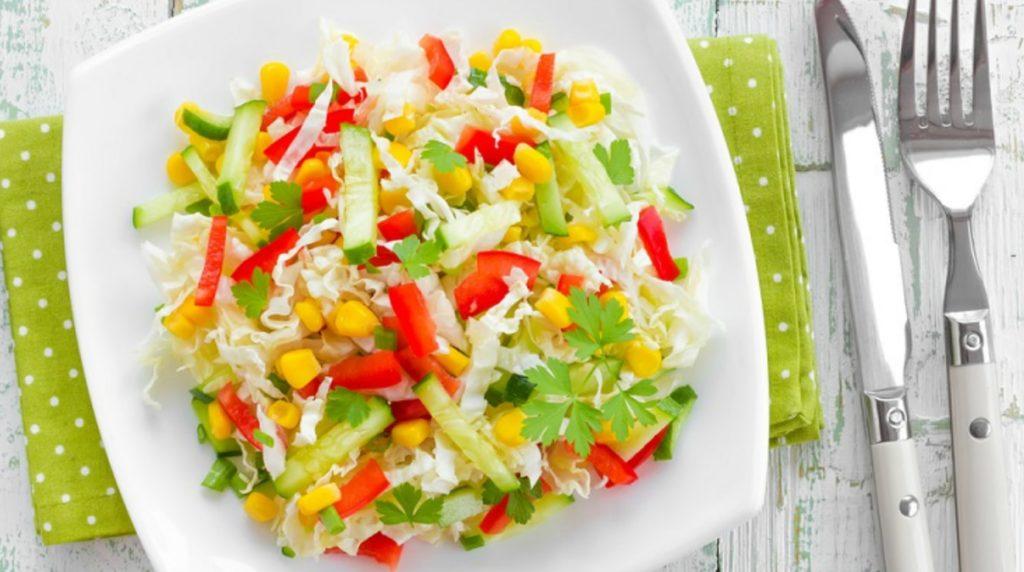 Рецепты салатов из огурцов, перца, кукурузы