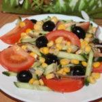 Рецепты простых салатов из кукурузы, огурцов