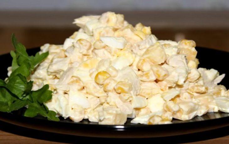 Простые салаты с курицей и кукурузой