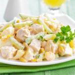 Салаты с ананасами, кукурузой и куриным филе, индейкой, колбасой