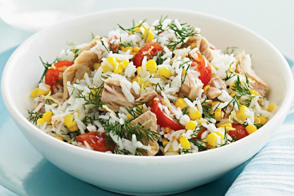 Рецепты салатов с тунцом, кукурузой и рисом, помидорами, перцем