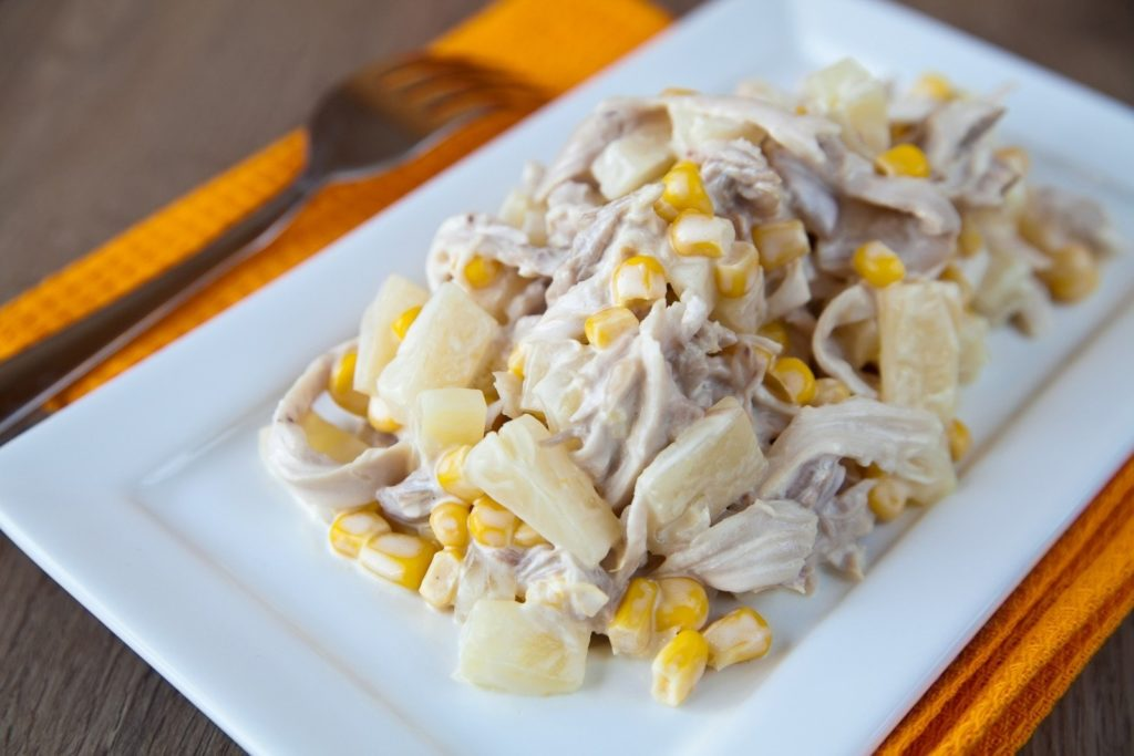Рецепты салатов с шампиньонами и кукурузой
