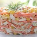 Салаты с морковью, крабовыми палочками и кукурузой