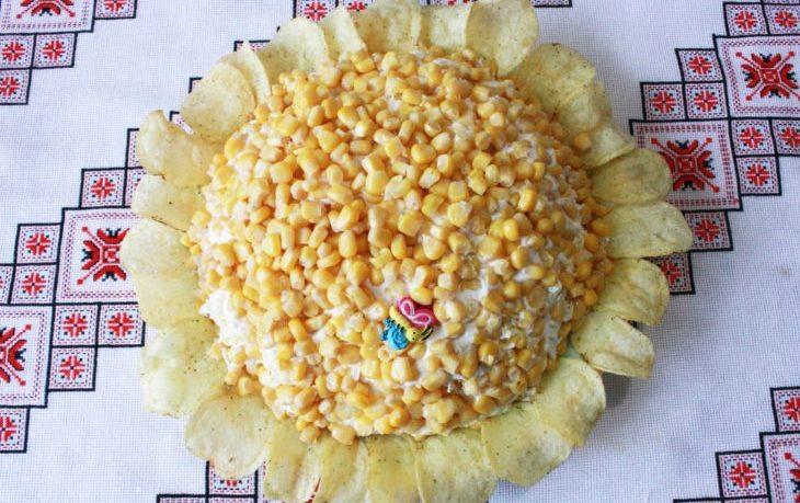 рецепт салата с чипсами и кукурузой