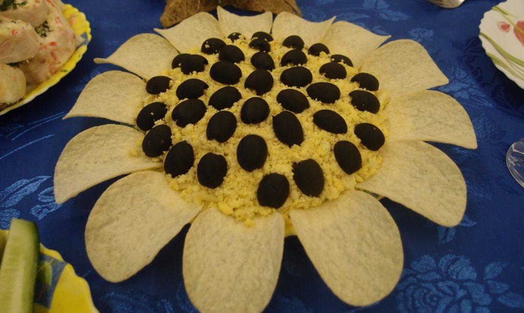 Классические рецепты салатов с кукурузой