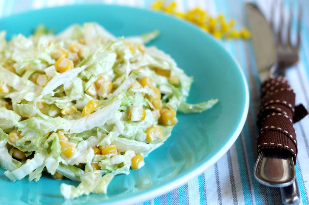 Простые и вкусные рецепты салатов с кукурузой и майонезом