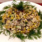 Рецепты салатов со шпротами и кукурузой