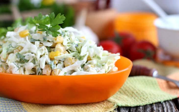 салат из китайской капусты и кукурузы рецепты