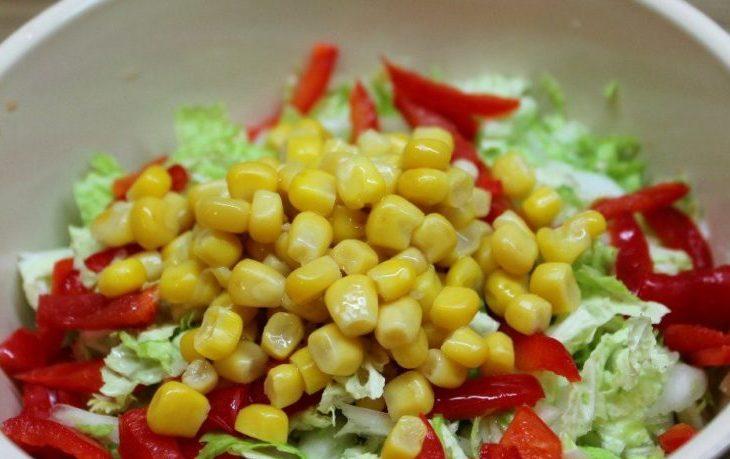 Рецепты вкусных салатов с пекинской капустой и кукурузой