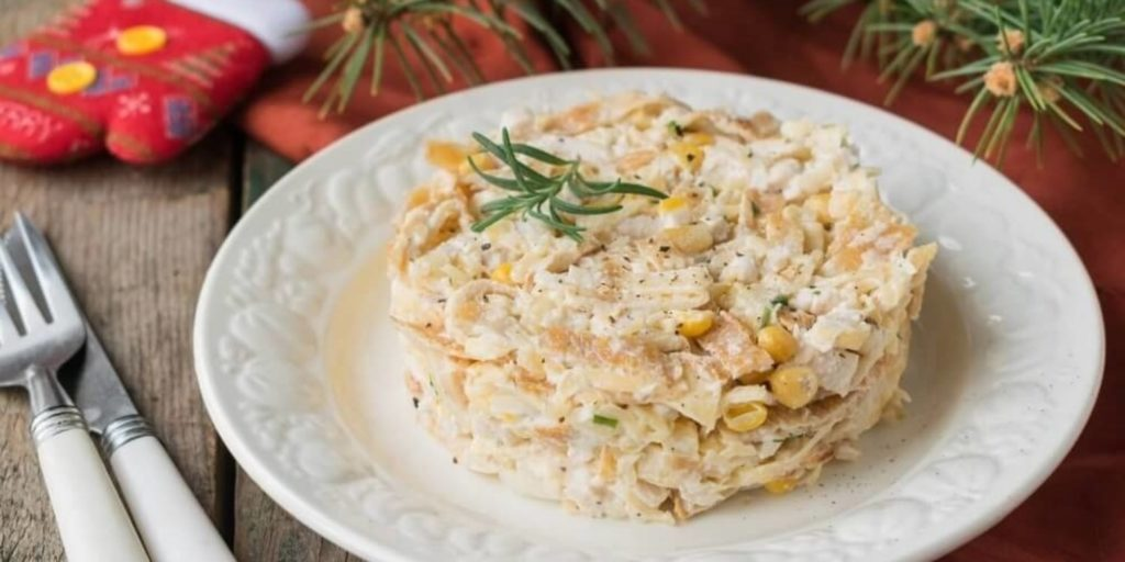 Вкусные рецепты блинных салатов с кукурузой и блинами