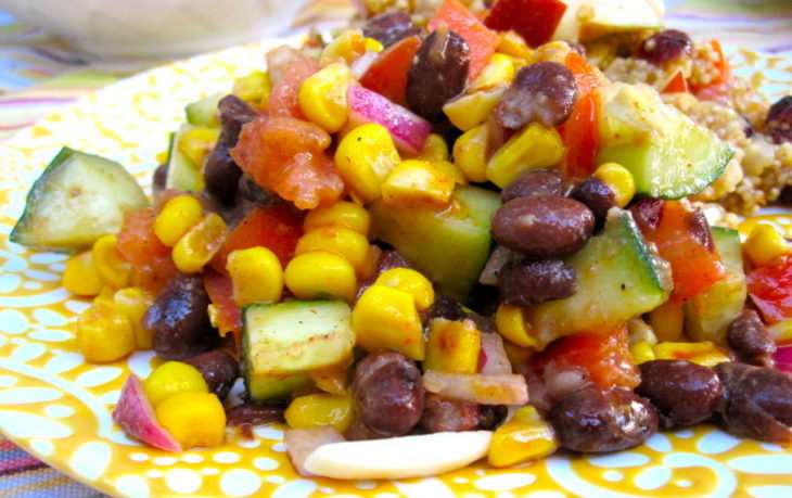 постный салат с фасолью консервированной и кукурузой