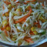 Рецепты салатов с морковью, кукурузой и капустой, сухариками