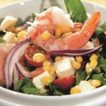 Популярные рецепты салатов с креветками и кукурузой