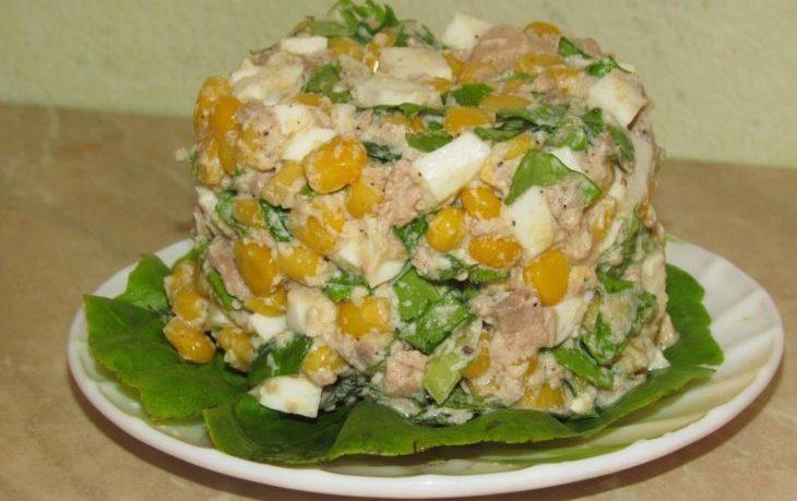 салат из трески и кукурузы