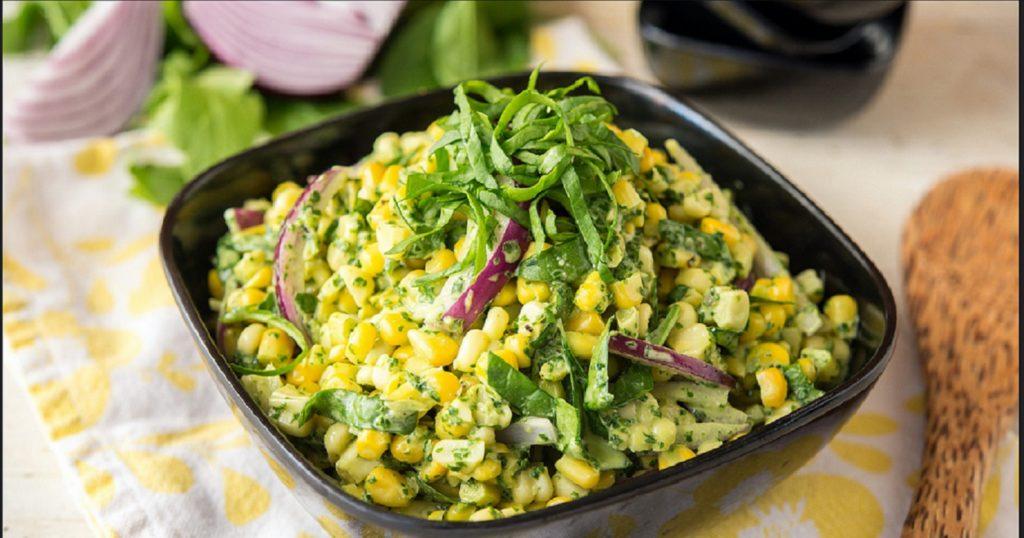 Рецепты салатов с кукурузой: Мексиканский, Мужской каприз, Цезарь, Весенний