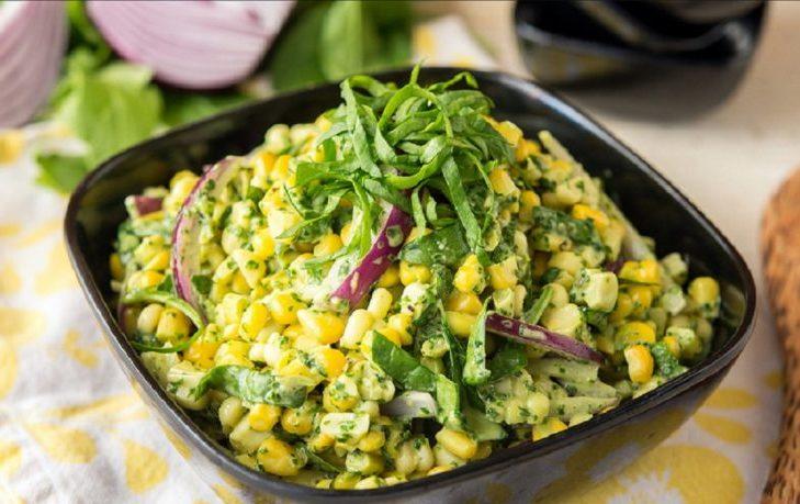 рецепт салата весенний с кукурузой