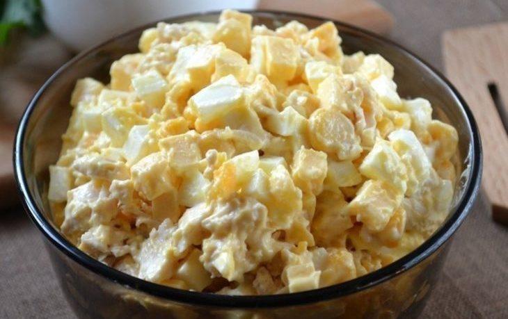 Вкусные салаты с кукурузой и сыром