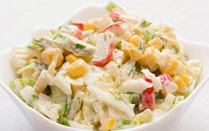 рецепт салата с вареной кукурузой