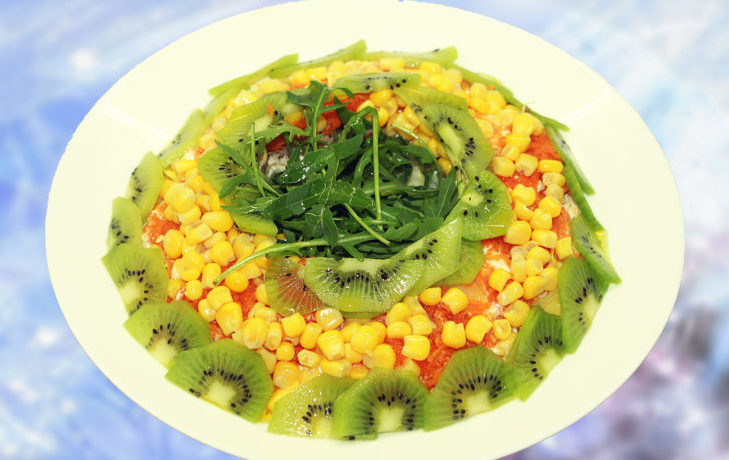 рецепт салата с кукурузой и киви