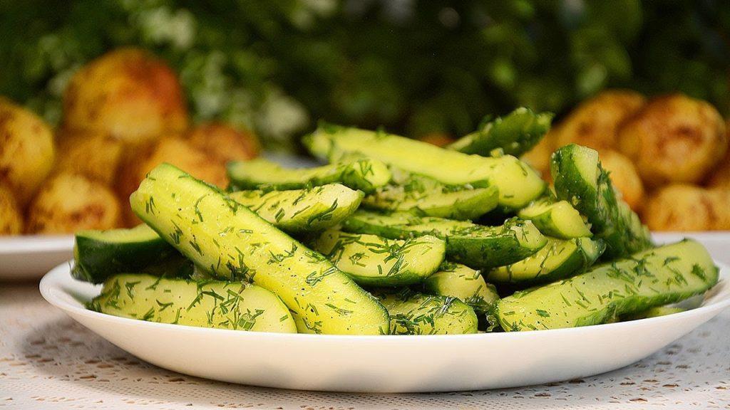 Вкусные рецепты огурцов с чесноком и укропом