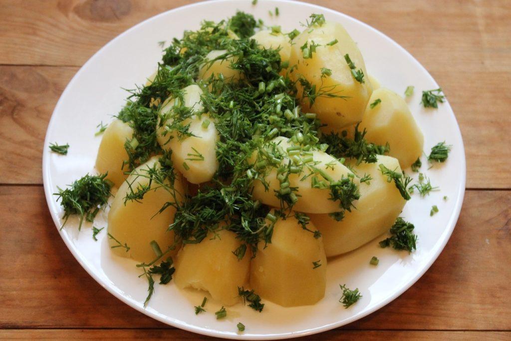 Картошка с укропом: отварная с маслом, запеченная, жареная