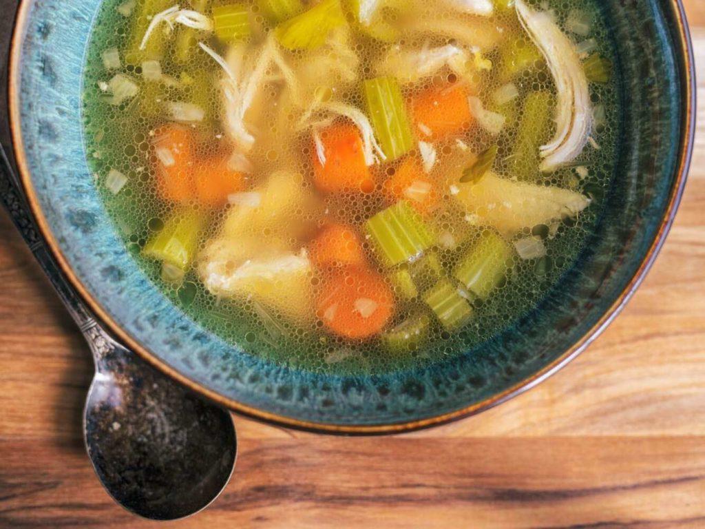 Рецепты куриного супа с сельдереем