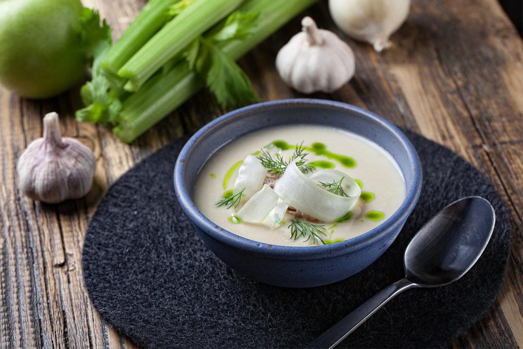 Рецепты супа с сельдереем: крем-суп, гороховый, луковый