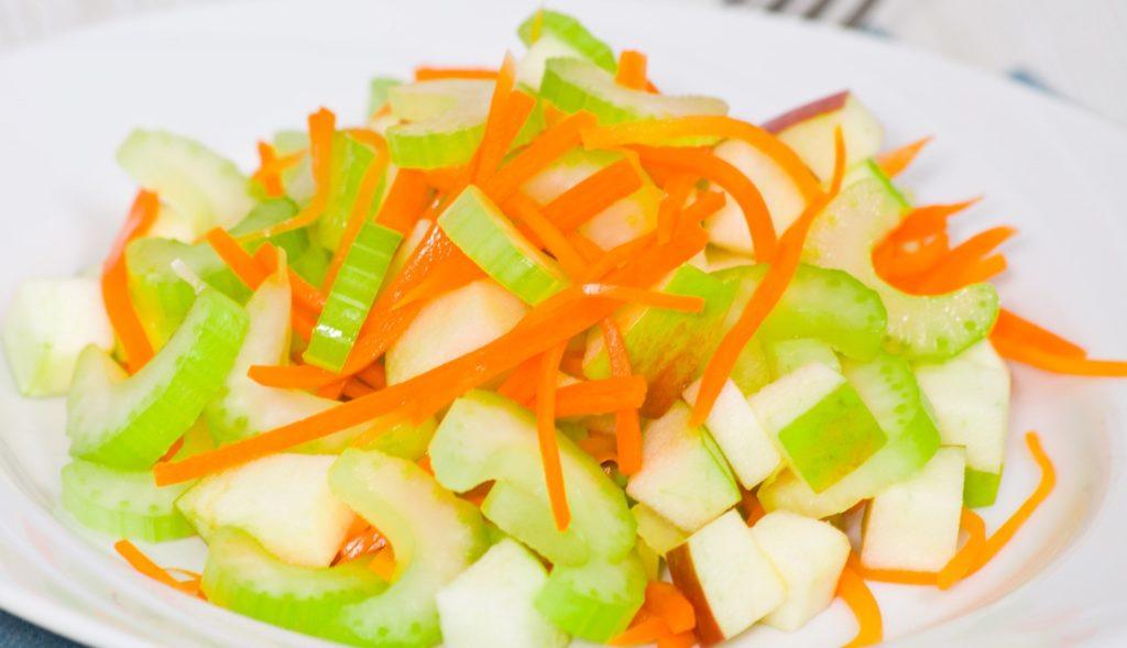 Рецепты салатов со стеблевым сельдереем и яблоком
