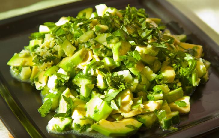 рецепт салата из огурцов и сельдерея