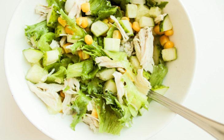 рецепт салата с сельдереем стеблевым и курицей