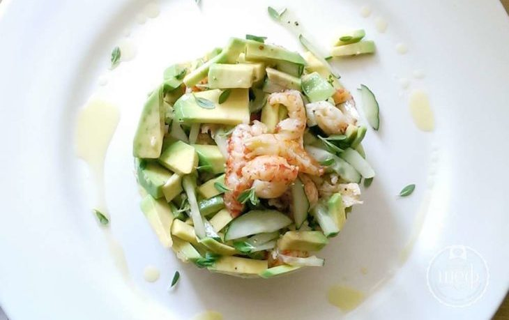 рецепт салата с сельдереем, яблоком и авокадо