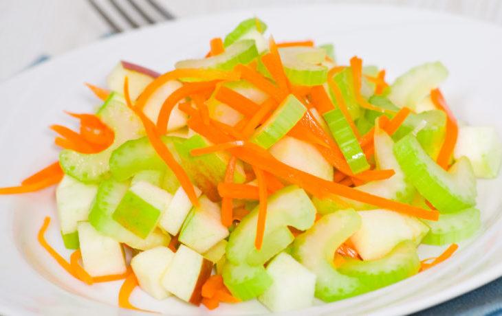 рецепт салата с сельдереем, яблоком, морковью