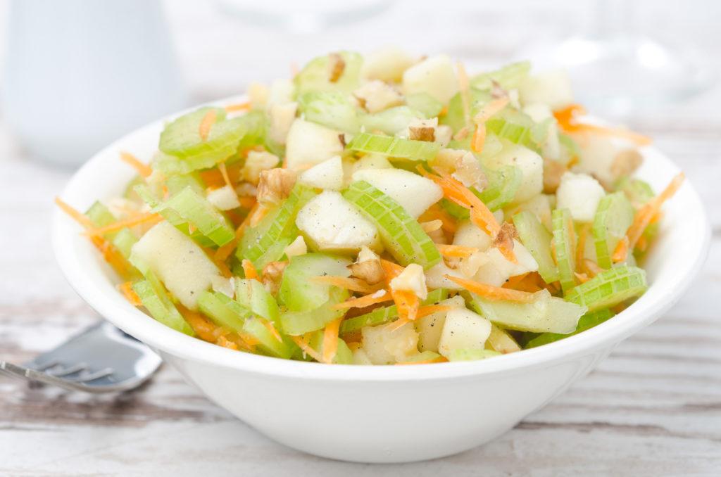 Вкусные рецепты салатов из стебля сельдерея