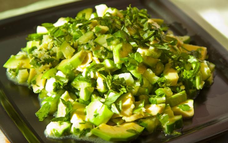 салат с сельдереем и авокадо рецепты