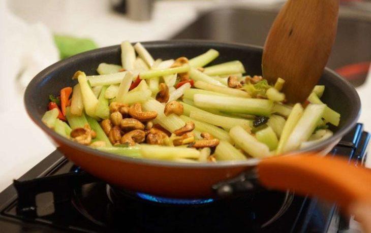 жареные стебли сельдерея рецепты