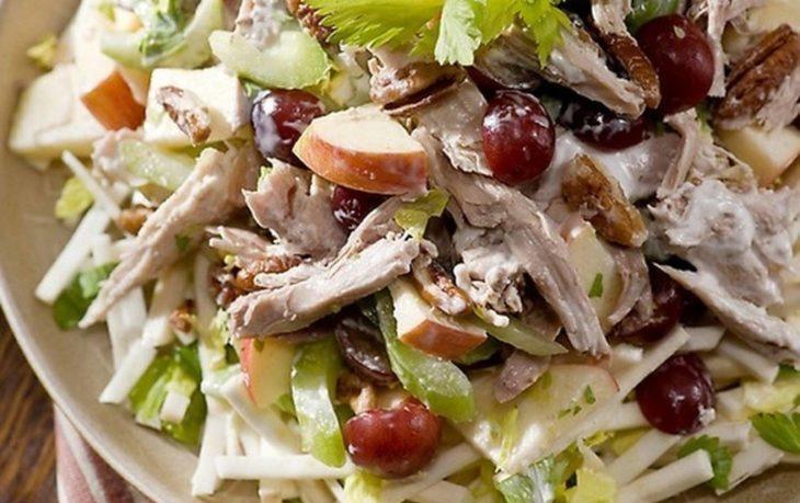 салат из грудки с сельдереем