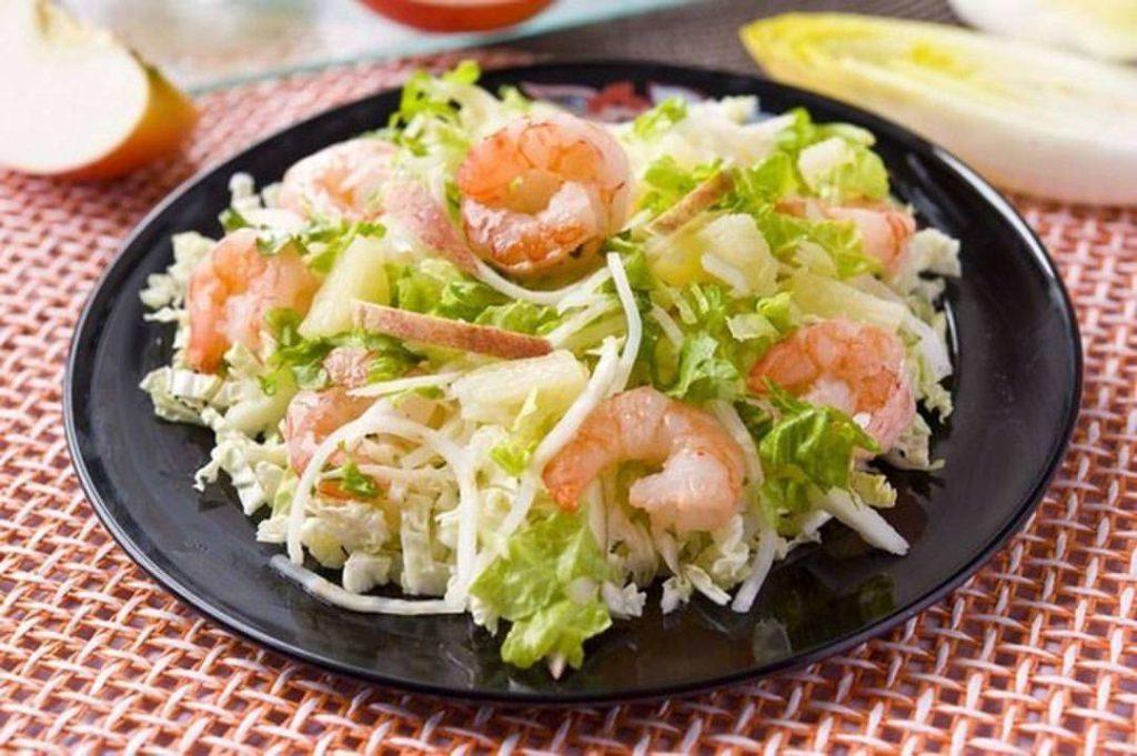 Как сделать салат из сельдерея с языком, печенью трески, морепродуктами