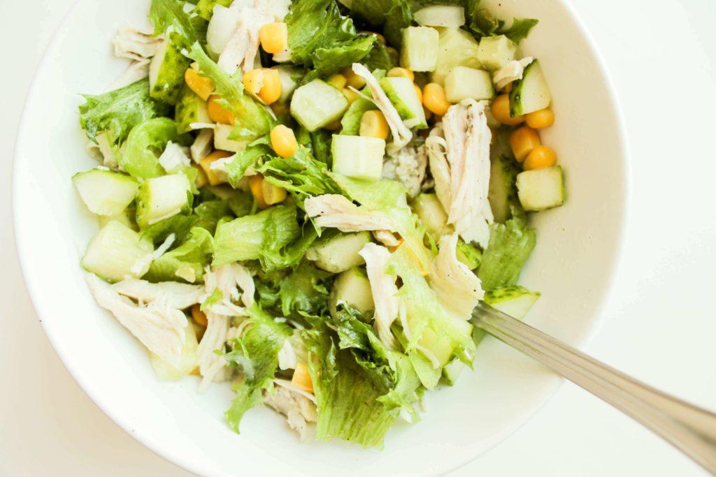 Рецепты простых салатов с сельдереем и кукурузой, тыквой, гранатом