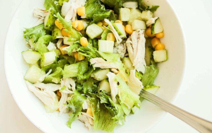 салат с кукурузой и сельдереем рецепт